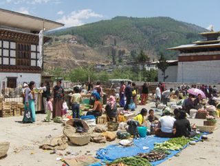 1043Paro-a Vegetable market
